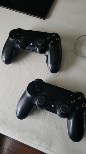 Ps4 Controllers for Sale in Des Plaines, IL
