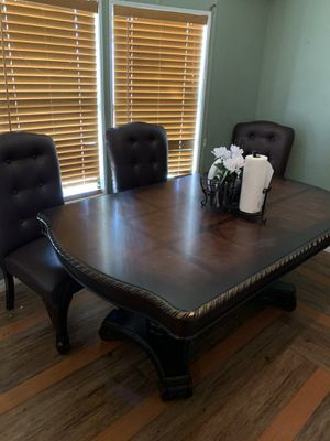 Table for Sale in Fort Meade, FL