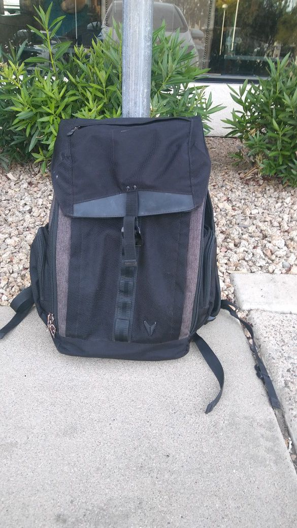 Bondka backpack with lits of pockets and space. Has a laptop compartment