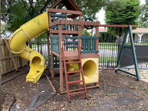PLAYGROUND FOR FREE for Sale in Miami, FL