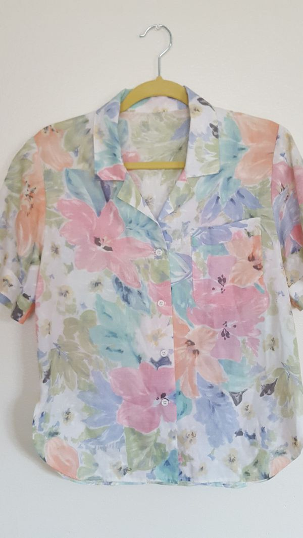 Vintage 90s 80s pastel short sleeve button top blouse shirt tropical flowers