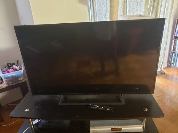 Sony 46inch smart tv led w/remote