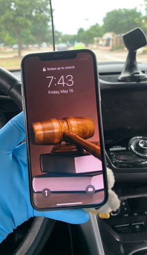 IPhone X 64gb unlocked for Sale in Austin, TX