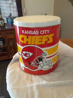 3 gallon Kansas city chiefs tin can and lid can make great gift holder for Sale in Apache Junction, AZ