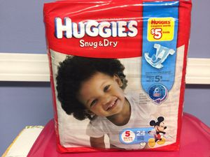 Huggies snug &a dry size 5 for Sale in Bloomfield, CT