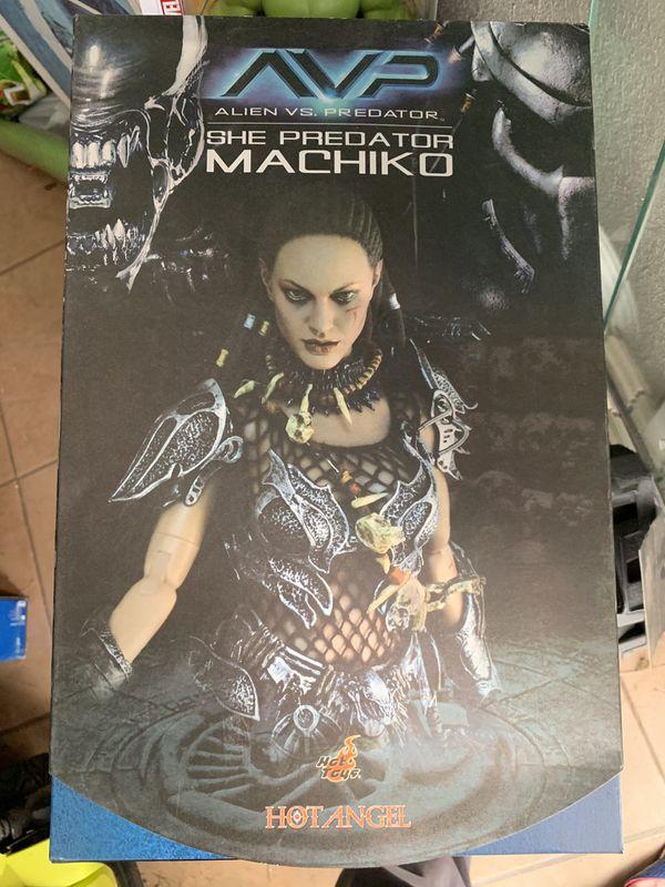 Hot Toys She-Predator Machiko AVP