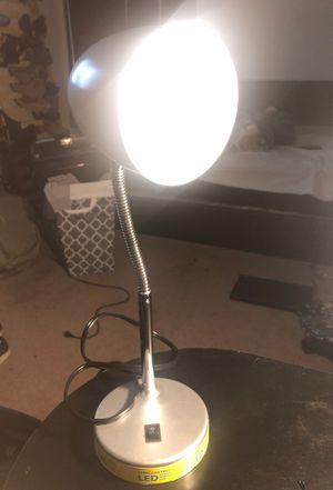 5$ lamp for Sale in Fresno, CA