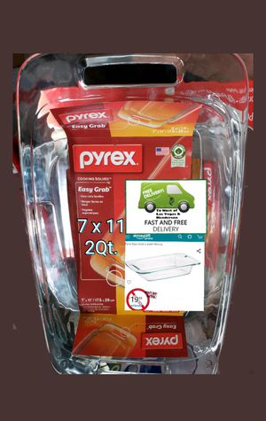 Pyrex 7 x 11 easy handle Glass Dish. for Sale in Las Vegas, NV