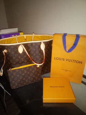 Gm neverfull with pouch mimosa for Sale in Tempe, AZ