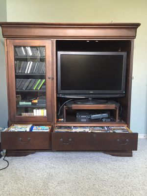 Hooker furniture entertainment center solid cherry wood for Sale in Coweta, OK