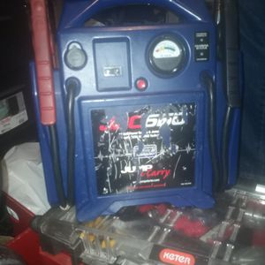 JNC Jump And Carry Jump Starter for Sale in Lake Forest, CA