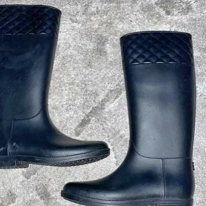 Dirty Laundry Rain Boots Size 10 for Sale in Kirkland, WA