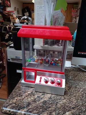 Used Toy- Claw arcade game for Sale in Antioch, CA