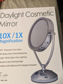 Floxite Daylight Cosmetic Mirror / In Box Never Opened for Sale in Midlothian,  VA