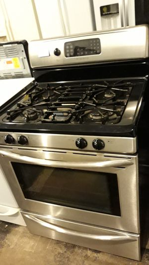 Stainless steel stove gas excellent condition 4months warranty conviction oven for Sale in Halethorpe, MD
