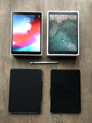 iPad Pro 10.5 in bundle (incl 2 cases, & Apple Pencil) for Sale in Chicago, IL