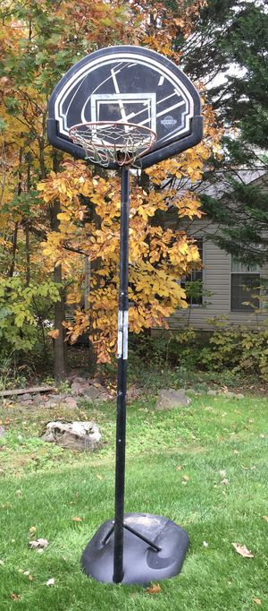 Lifetime Youth Portable Basketball Hoop for Sale in Centreville, VA