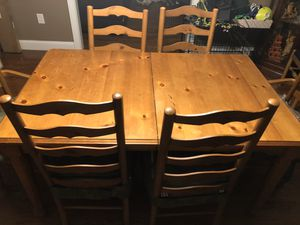 Dining table for Sale in Freehold, NJ