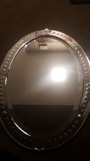 Large Oval Glass decor mirror for Sale in Huntington Beach, CA