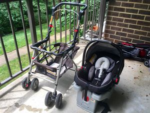 Graco snugride car seat with snap n do Stroller for Sale in Fairfax, VA