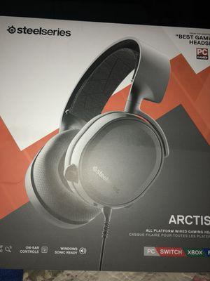 Arctis 3 headset for Sale in Miami, FL