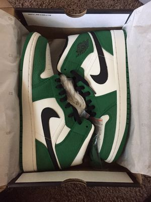 Jordan 1 mid pine green size 8.5 for Sale in Lakewood, CO