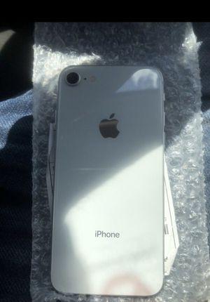 iPhone 8 White for Sale in Miami, FL