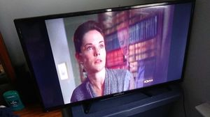 32 inch Element FlatScreen Tv for Sale in Baltimore, MD