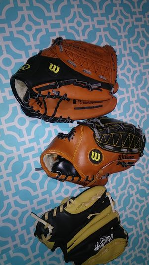 3 Baseball gloves for Sale in Warren, MI