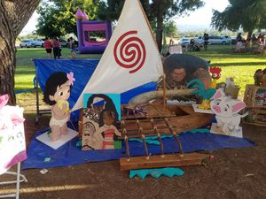 Moana boat and party accessories for Sale in Los Angeles, CA