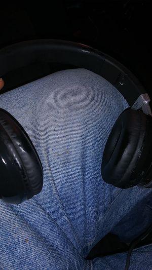 Macquarie Bluetooth headphones for Sale in Oakland, CA