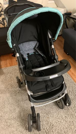 Graco stroller w/ car seat for Sale in Vancouver, WA