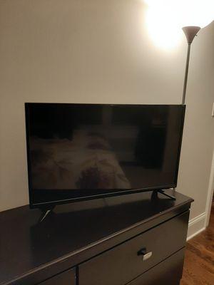 """32"""" Insignia Smart TV for Sale in Chicago, IL"""