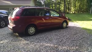 2008 Toyota minivan for Sale in Trumbull, CT