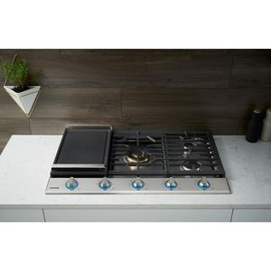 Samsung 36 in. Gas Cooktop in Stainless with 5 Burners for Sale in Los Angeles, CA