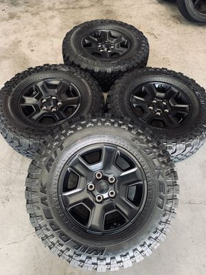 Jeep Gladiator Mojave Edition Wheels Rims Tires for Sale in Carson, CA