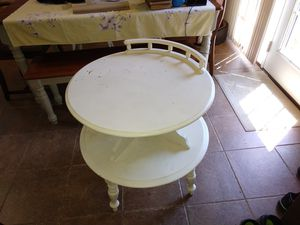 End table. for Sale in Murfreesboro, TN