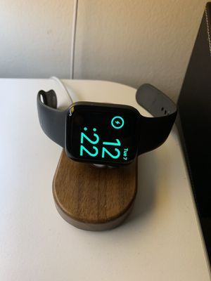 5th generation Apple Watch 44mm with charging stand for Sale in Anaheim, CA