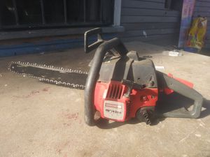 """Craftsman 18"""" gas powered chainsaw for Sale in Fresno, CA"""