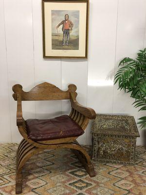 Antique Solid Wood Savonarola Throne Chair In Excellent Condition for Sale in Boynton Beach, FL