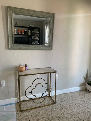Mirror and tablet for Sale in Miami, FL