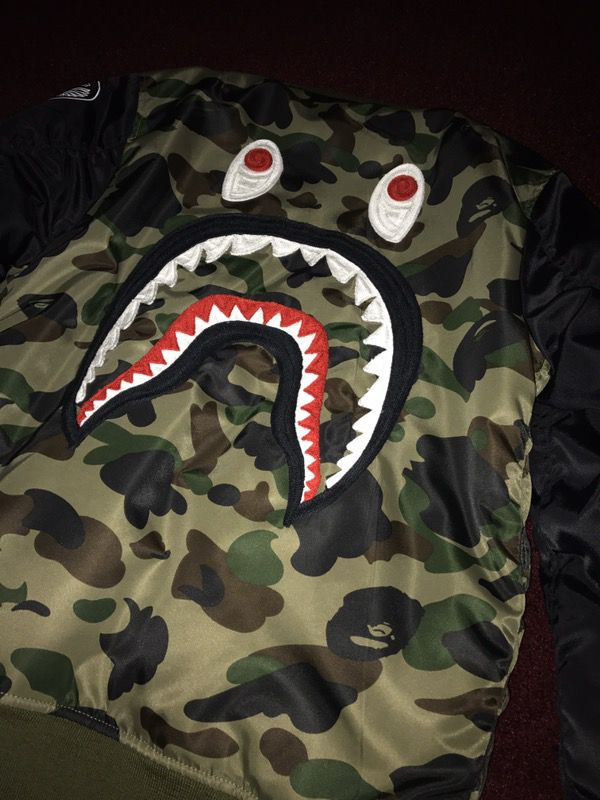 0623417ff A Bathing Ape Bape bomber jacket size large supreme box logo BBC  billionaire boys club for Sale in Beverly Hills, CA - OfferUp