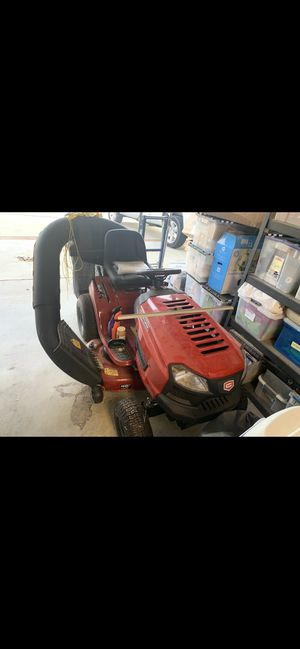 Craftsman 46 inch w mulching capability lawn tractor for Sale in Palmdale, CA