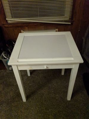 Small desk for Sale in Richfield, OH
