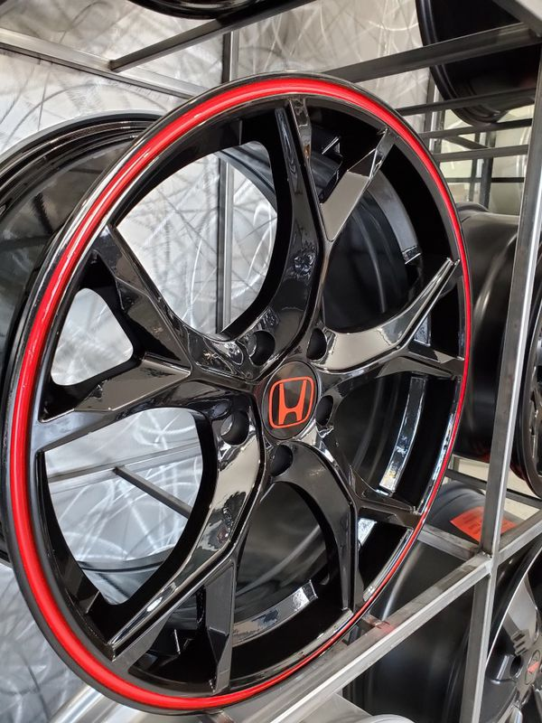 18x8 5x114 et38 gloss black Honda civic type r style wheels with red strip rims