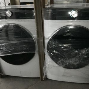 Brand New Out Box Midea Washer /Dryer Electric Set for Sale in Stockton, CA