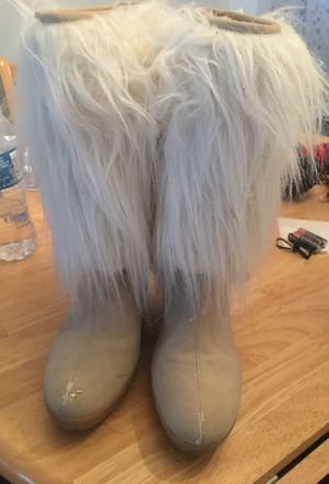Fur boots 9 women's for Sale in Saint Petersburg, FL