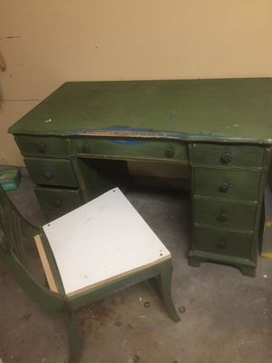 Antique Desk or vanity with free chair ! no mirror for Sale in Houston, TX