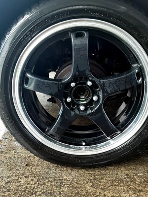 17in Rims and tires 5 lug complete set like brand new $300 for Sale in Tacoma, WA
