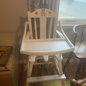 Vintage High Chair for Sale in Spartanburg, SC